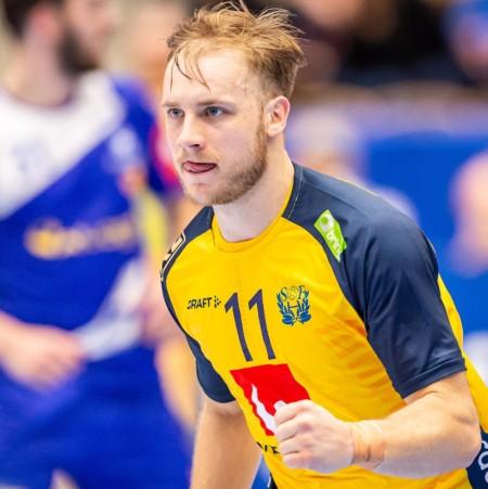 11 Daniel Pettersson
