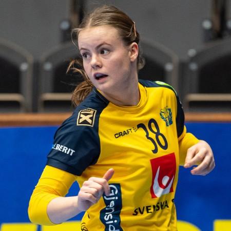 38 Elin Hansson