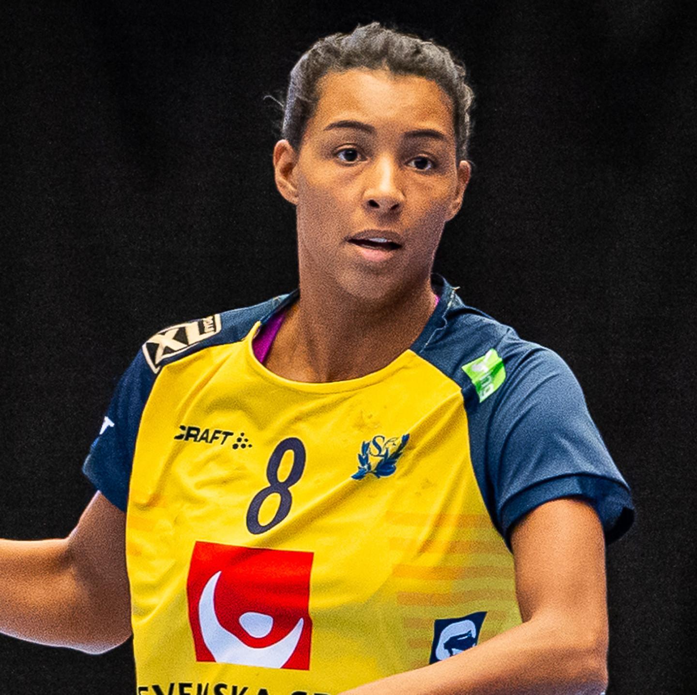 8 Jamina Roberts