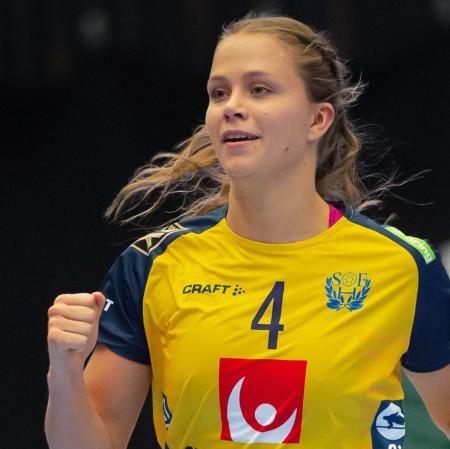 4 Olivia Mellegård