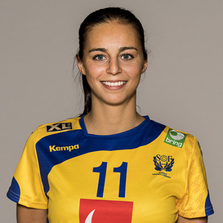 11 Daniela Gustin