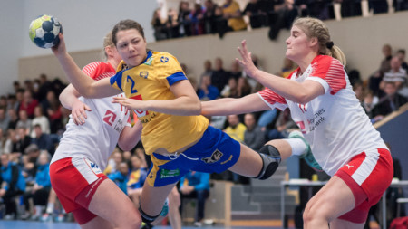 Debutantrikt Sverige pressade Danmark