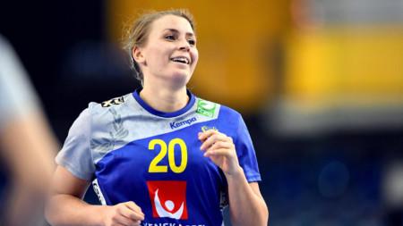 Bella Gulldén flyttar till Frankrike