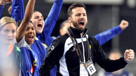 Henrik Signell stannar som förbundskapten över OS 2020