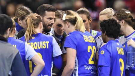 Damerna redo för säsongens första landskamp