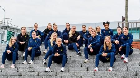 16 spelare skrivs in i VM-truppen