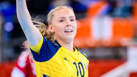 Play: Mathilda Lundström