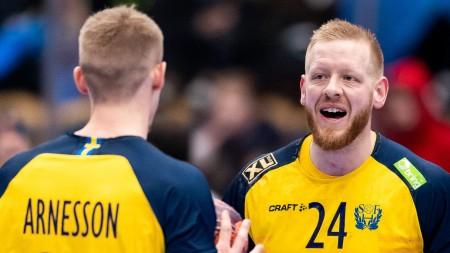 Ekberg och tre debutanter i Solbergs premiärtrupp