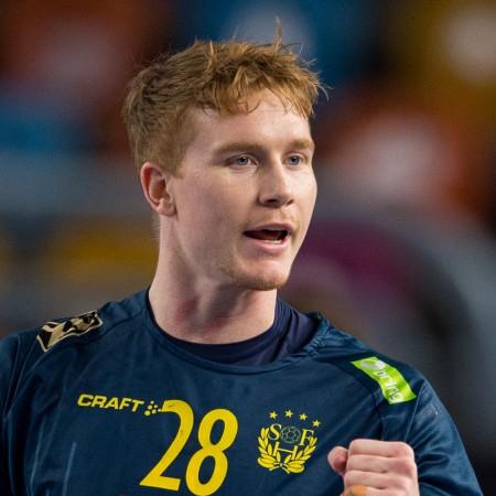 28 Jonathan Edvardsson